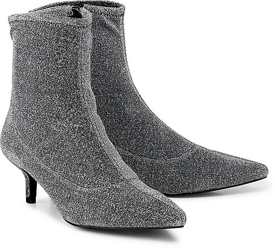 Another A Glitzer-Stiefelette