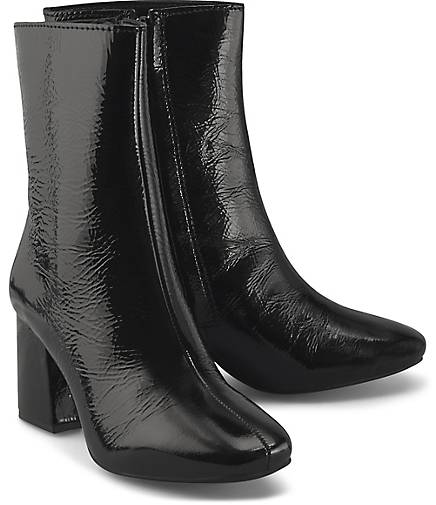Another A Lack-Stiefelette