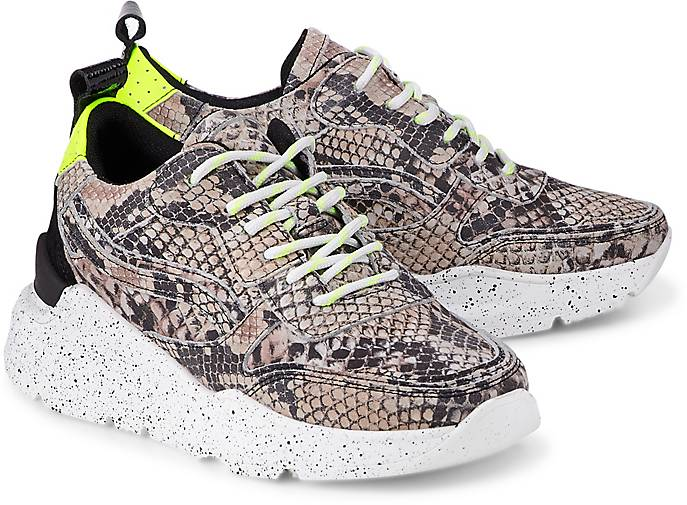 Another A Trend-Sneaker