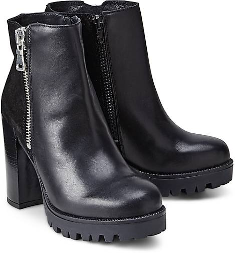 Another A Zipper-Bootie