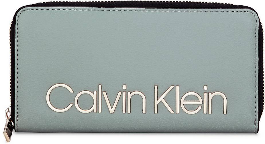 Calvin Klein MUST LARGE ZIPAROUND