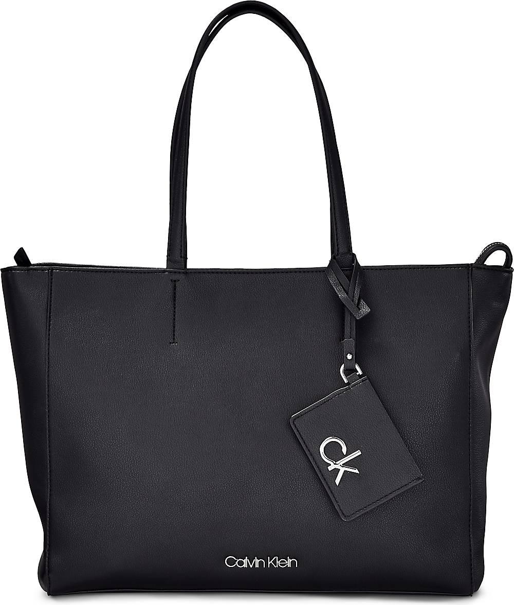 Calvin Klein| Schultertasche Ck Must Shopper Md in schwarz| Schultertaschen für Damen | Taschen > Handtaschen > Schultertaschen | Calvin Klein