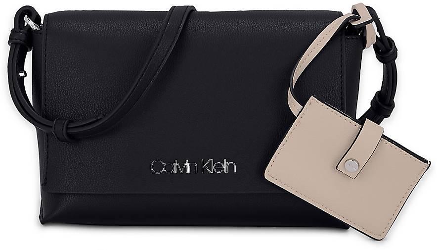 f6345fdcc68b1 Calvin Klein TACK FLAP CROSSBODY in schwarz kaufen - 48041901