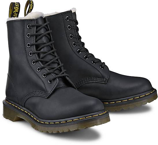dr martens boots serena 8 eye in schwarz kaufen 45822801 g rtz. Black Bedroom Furniture Sets. Home Design Ideas