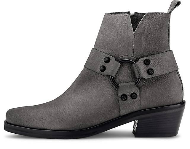 Boots NIKKI