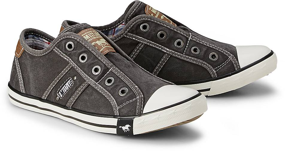 Mustang Canvas-Slip-On