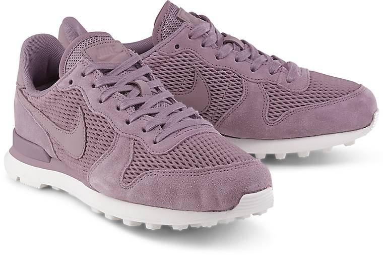nike internationalist lila