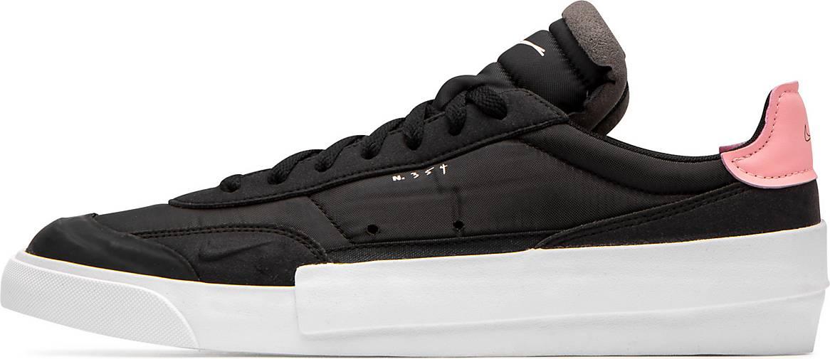 Nike Sneaker Drop-Type