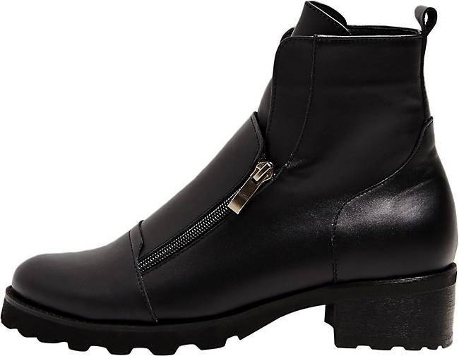 Risa Ankle Boots