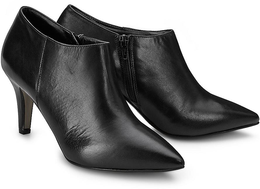 schoene ankle boots von tamaris aus weichem glattkleder in schwarz. Black Bedroom Furniture Sets. Home Design Ideas
