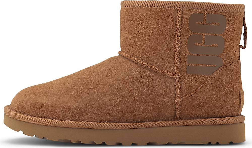 UGG  Boots Classic Mini Rubber Logo in mittelbraun  Boots für Damen   Schuhe > Stiefeletten   Ugg