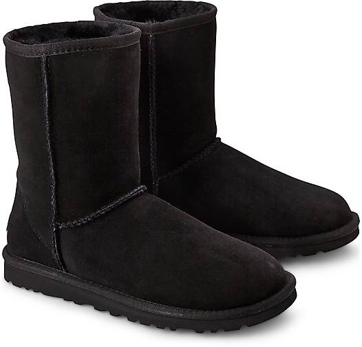 Ugg Classic Short Leather Schwarz