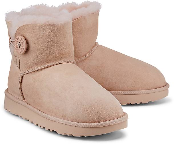 ugg mini bailey button 38