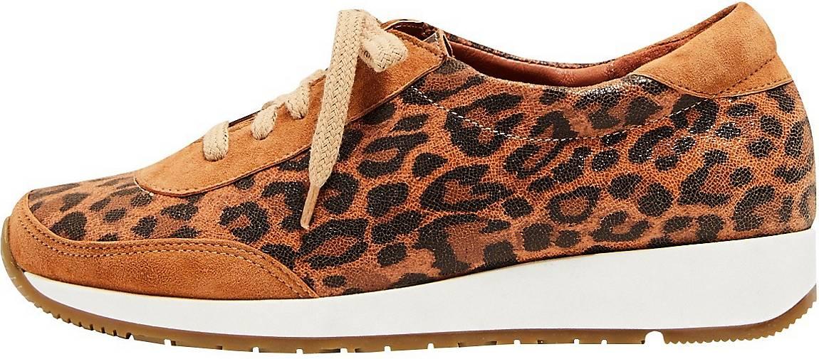 usha Sneaker